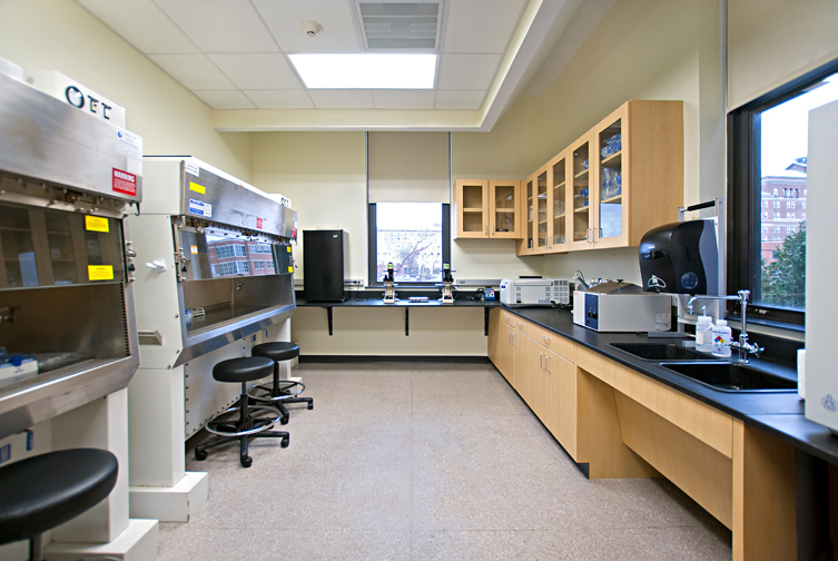 ACPHS_Microbiology_Lab_Photo_2.jpg